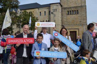 W niedzielę ulicami Poznania przeszedł Marsz dla Życia